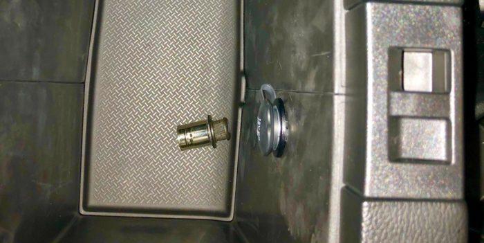 コンソールボックス内シガーソケット