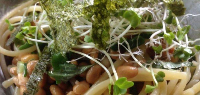 ファミリーキャンプの料理:納豆パスタ