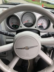 クルーザー運転席