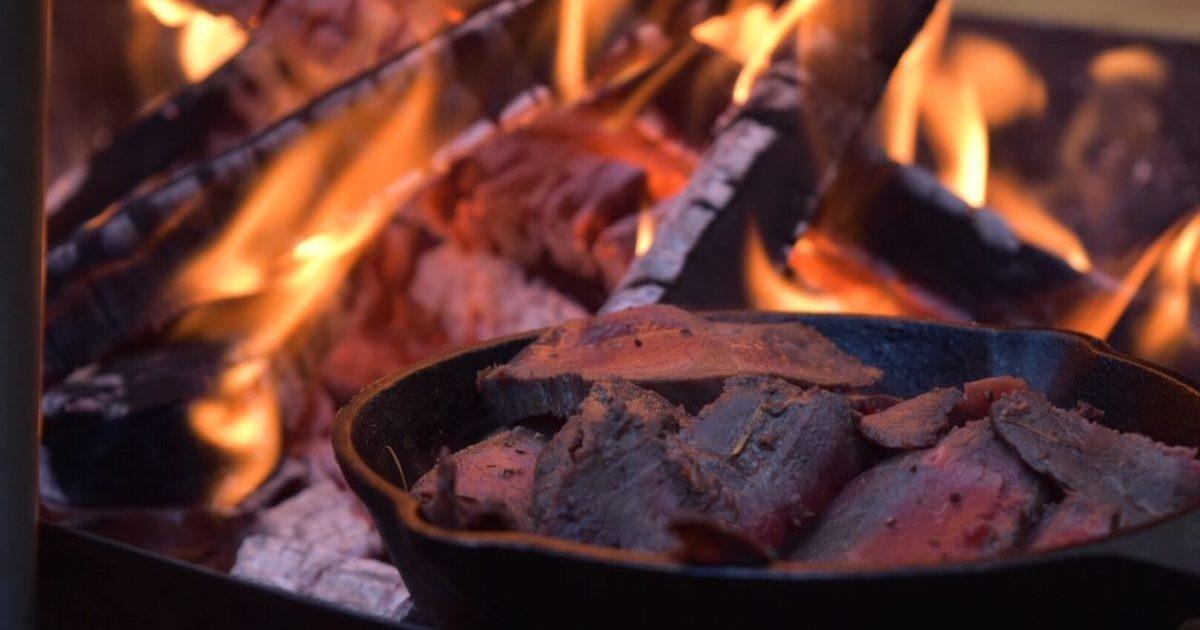 直火で調理