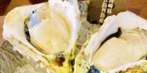 牡蠣ノ星で生ガキを食べる