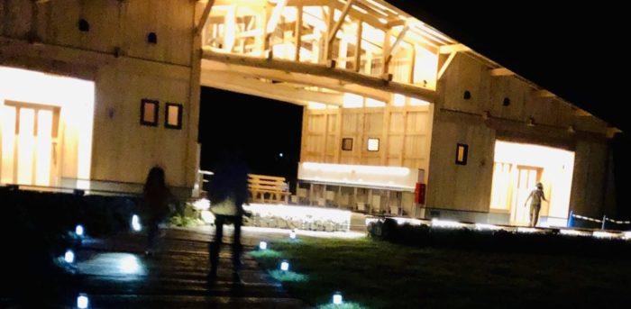 ふもとっぱらキャンプ場の新設トイレ(夜)