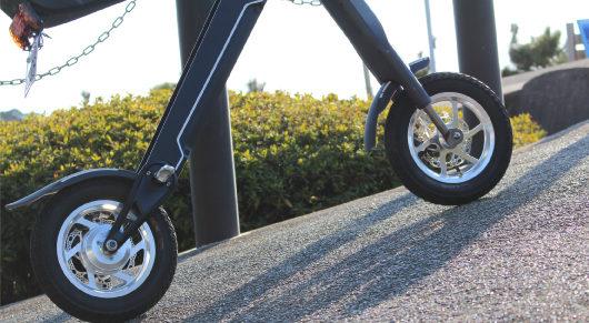 電動バイクのタイヤ