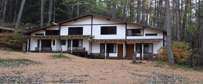 皇海山キャンプフォレストのクワッドバンガロー