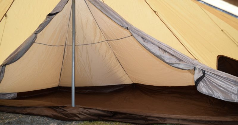 雨キャンプが楽しくなる魅力:テントやタープの雨音が心地良い